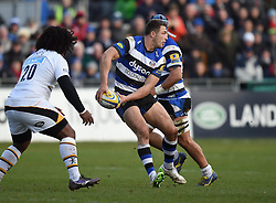 Bath Rugby centre Sam Burgess passes the ball in Aviva Premiership clash with Wasps at the Recreation Ground - Photo mandatory by-line: Paul Knight/JMP - Mobile: 07966 386802 - 10/01/2015 - SPORT - Rugby - Bath - The Recreation Ground - Bath Rugby v Wasps - Aviva Premiership