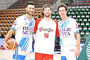 DESCRIZIONE : Campionato 2014/15 Dinamo Banco di Sardegna Sassari - Grissin Bon Reggio Emilia<br /> GIOCATORE : Brian Sacchetti Drake Diener Giacomo Devecchi<br /> CATEGORIA : Before Pregame Ritratto Fair Play<br /> EVENTO : LegaBasket Serie A Beko 2014/2015<br /> GARA : Dinamo Banco di Sardegna Sassari - Grissin Bon Reggio Emilia<br /> DATA : 22/12/2014<br /> SPORT : Pallacanestro <br /> AUTORE : Agenzia Ciamillo-Castoria / Claudio Atzori<br /> Galleria : LegaBasket Serie A Beko 2014/2015<br /> Fotonotizia : Campionato 2014/15 Dinamo Banco di Sardegna Sassari - Grissin Bon Reggio Emilia<br /> Predefinita :