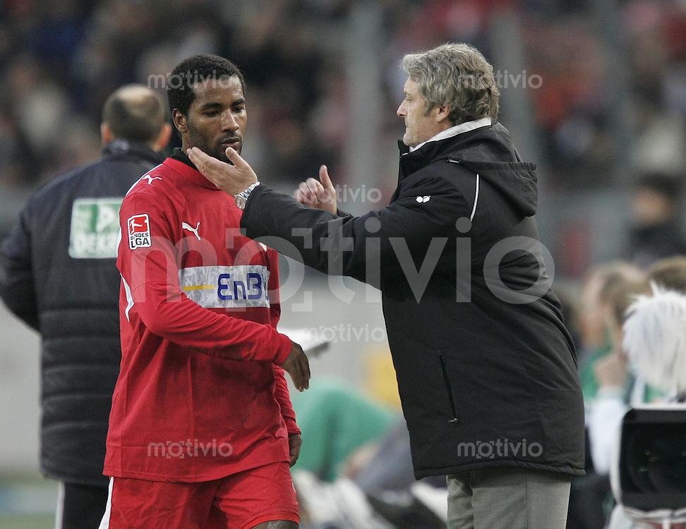 Fussball  1. Bundeslig in Stuttgart VfB Stuttgart - SV Werder Bremen  10.02.07  Cacau mit Trainer Armin Veh