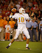 Tennessee quarterback Erik Ainge throws a pass during the game between the Georgia Bulldogs and the Tennessee Volunteers at Sanford Stadium in Athens, GA on October 7, 2006.<br />