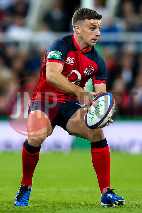 George Ford of England - Mandatory by-line: Robbie Stephenson/JMP - 06/09/2019 - RUGBY - St James's Park - Newcastle, England - England v Italy - Quilter Internationals