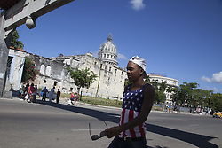 November 23, 2016 - Havana, Cuba - A boy dressed with a USA´s t-shirt near National Capitol Building in Havana, Cuba, on 23 November 2016. (Credit Image: © Alvaro Fuente/NurPhoto via ZUMA Press)