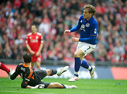 LONDON, ENGLAND - Saturday, April 14, 2012: Everton's Nikica Jelavic scores the first goal against Liverpool during the FA Cup Semi-Final match at Wembley. (Pic by David Rawcliffe/Propaganda)