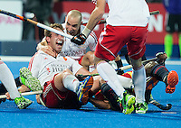 LONDON -  Unibet Eurohockey Championships 2015 in  London. England v Spain. Chris Griffiths (l)  has scored 3-0 and celebrates with Nick Catlin from England . WSP Copyright  KOEN SUYK