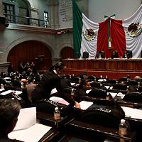 TOLUCA, México.- Aspectos de la sesión ordinaria de la LVII Legislatura Local del Estado de México. Agencia MVT / Crisanta Espinosa. (DIGITAL)