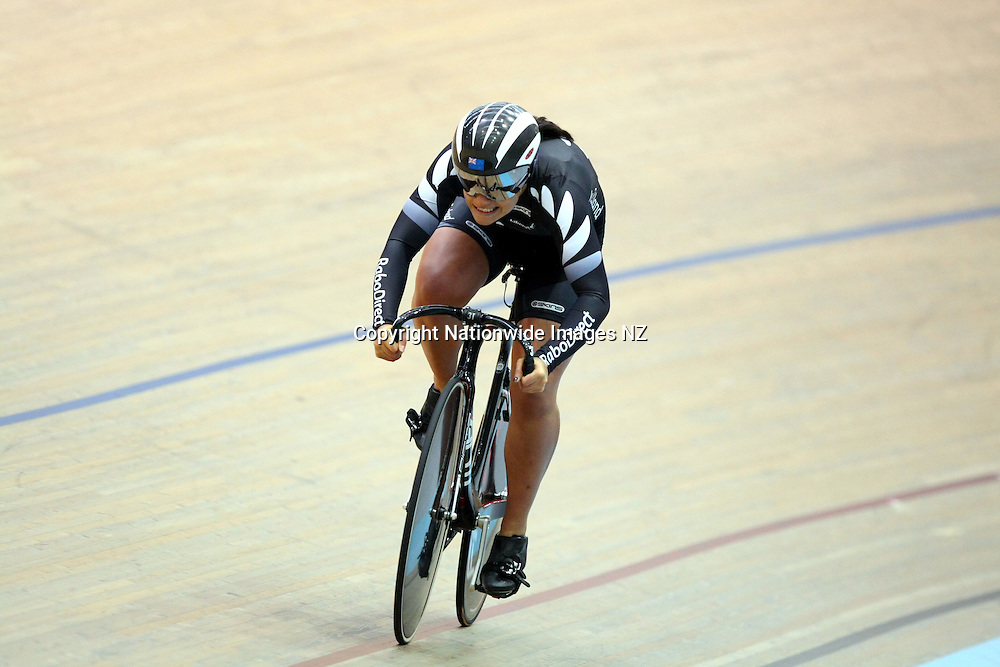 Natasha Hansen competes in the sprints at the ILT New Year Track Carnival, Invercargill Velodrome, New Zealand, Friday, January 18, 2013. Credit:NINZ / Dianne Manson.