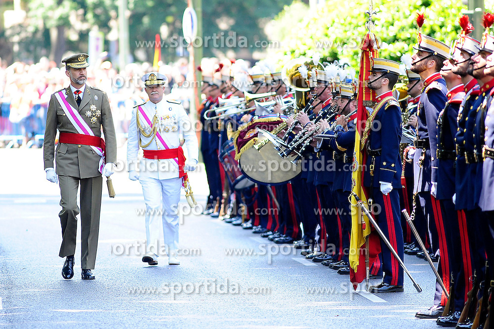 06.06.2015, Plaza de la Lealtad, Madrid, ESP, Armed Forces Day Ceremony 2015, im Bild King Felipe VI of Spain attends the 2015 Armed Forces Day Ceremony // during the Armed Forces Day Ceremony 2015 at the Plaza de la Lealtad in Madrid, Spain on 2015/06/06. EXPA Pictures © 2015, PhotoCredit: EXPA/ Alterphotos/ Rogelio Pinate<br /> <br /> *****ATTENTION - OUT of ESP, SUI*****