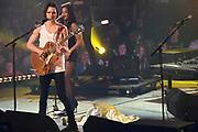 De 3FM Awards 2014 in de Gashouder, Amsterdam.<br /> <br /> Op de foto:  Jett Rebel wint de award voor beste nieuwkomer
