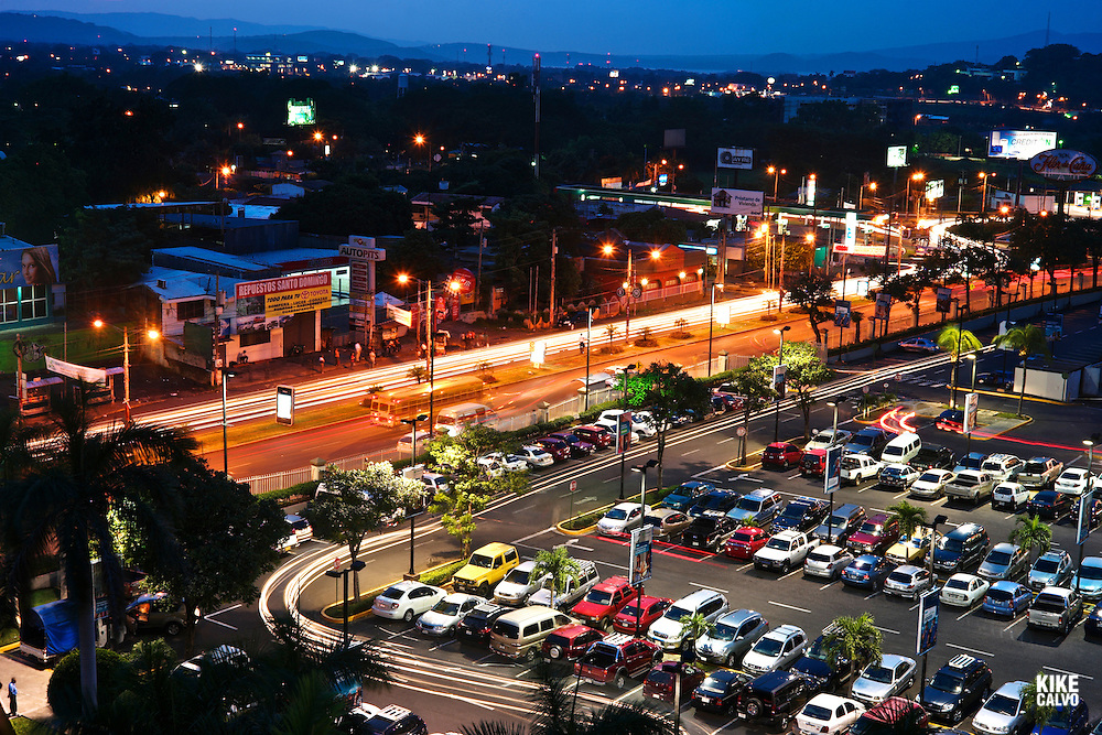 Night view of Managua Metrocentro area
