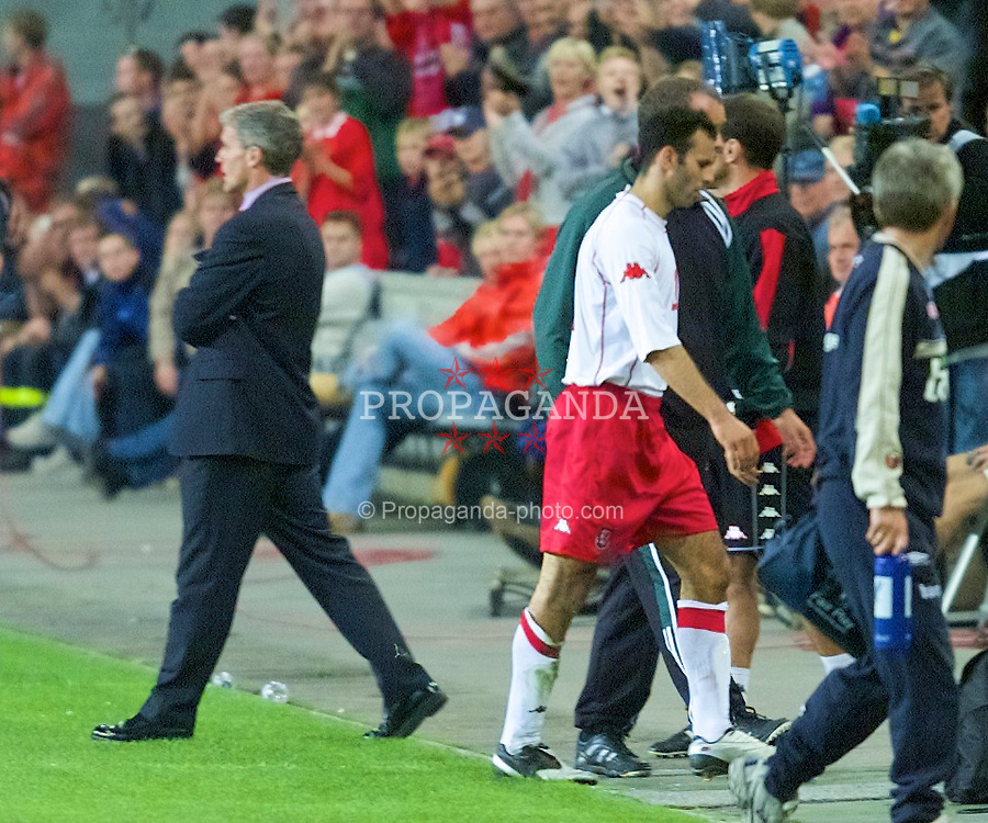 OSLO, NORWAY - Wednesday, September 5, 2001: Wales' Ryan Giggs walks past manager Mark Hughes and straight down the tunnel after being sent off following two yellow cards during the FIFA World Cup 2002 Qualifying Group 5 match against Norway at the Ullevaal Stadion. (Pic by David Rawcliffe/Propaganda)