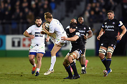 Nick Abendanon of Clermont Auvergne claims the ball in the air - Mandatory byline: Patrick Khachfe/JMP - 07966 386802 - 06/12/2019 - RUGBY UNION - The Recreation Ground - Bath, England - Bath Rugby v Clermont Auvergne - Heineken Champions Cup