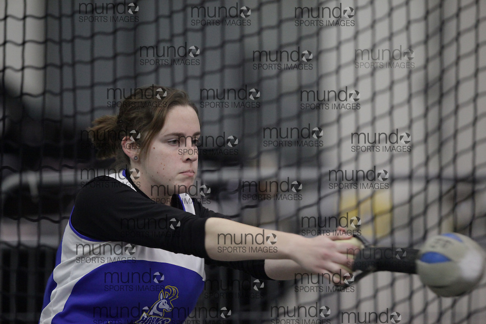 Windsor, Ontario ---12/03/09--- Heather Steacy of  the University of Lethbridge competes in the women's weight throw at the CIS track and field championships in Windsor, Ontario, March 12, 2009..GEOFF ROBINS Mundo Sport Images