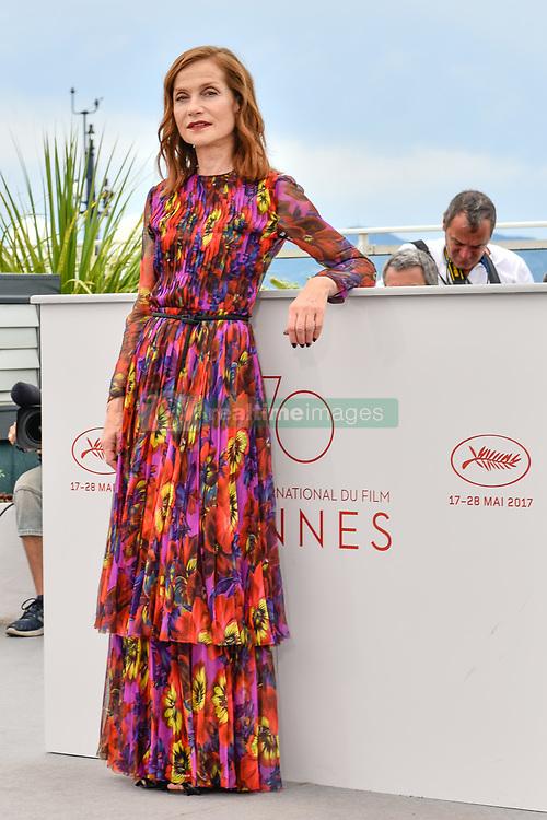 May 22, 2017 - Cannes, Provence-Alpes-Cote-D-Azur, France - Isabelle HUPPERT en photocall pour le film HAPPY END lors du soixante-dixième (70ème) Festival du Film à Cannes, Palais des Festivals et des Congres, Cannes, Sud de la France, lundi 22 mai 2017. # 70EME FESTIVAL DE CANNES - PHOTOCALL 'HAPPY END' (Credit Image: © Visual via ZUMA Press)