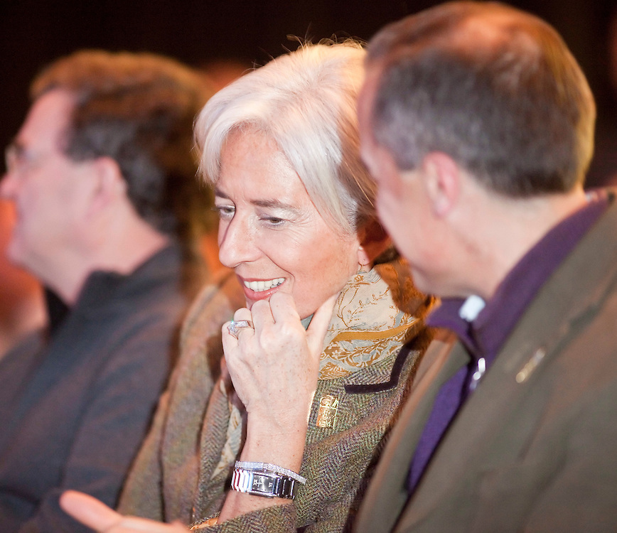 France's Minister of the Economy, Industry and Employment, Christine Lagarde, left, listens to Bank of Canada Governor Mark Carney during a ceremony at the G7 Finance Ministers meeting in Iqaluit, Canada, February 5, 2010.<br /> AFP/GEOFF ROBINS/STR