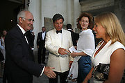 SIR JOHN NOTT,HUGO DE FERRANTI, OLIVIA GLAZEBROO AND  ALICE BAMFORD Fund for Refugees in Slovenia Gala Dinner, The Great Hall. Royal Hospital. Chelsea. 12 June 2006. ONE TIME USE ONLY - DO NOT ARCHIVE  © Copyright Photograph by Dafydd Jones 66 Stockwell Park Rd. London SW9 0DA Tel 020 7733 0108 www.dafjones.com