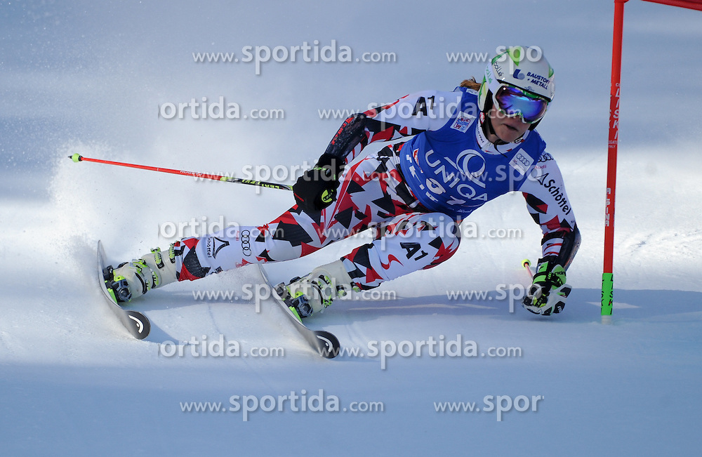 28.12.2015, Hochstein, Lienz, AUT, FIS Weltcup Ski Alpin, Lienz, Riesenslalom, Damen, 1. Durchgang, im Bild Ramona Siebenhofer (AUT) // Ramona Siebenhofer of Austria during 1st run of ladies Giant Slalom of the Lienz FIS Ski Alpine World Cup at the Hochstein in Lienz, Austria on 2015/12/28. EXPA Pictures © 2015, PhotoCredit: EXPA/ Erich Spiess