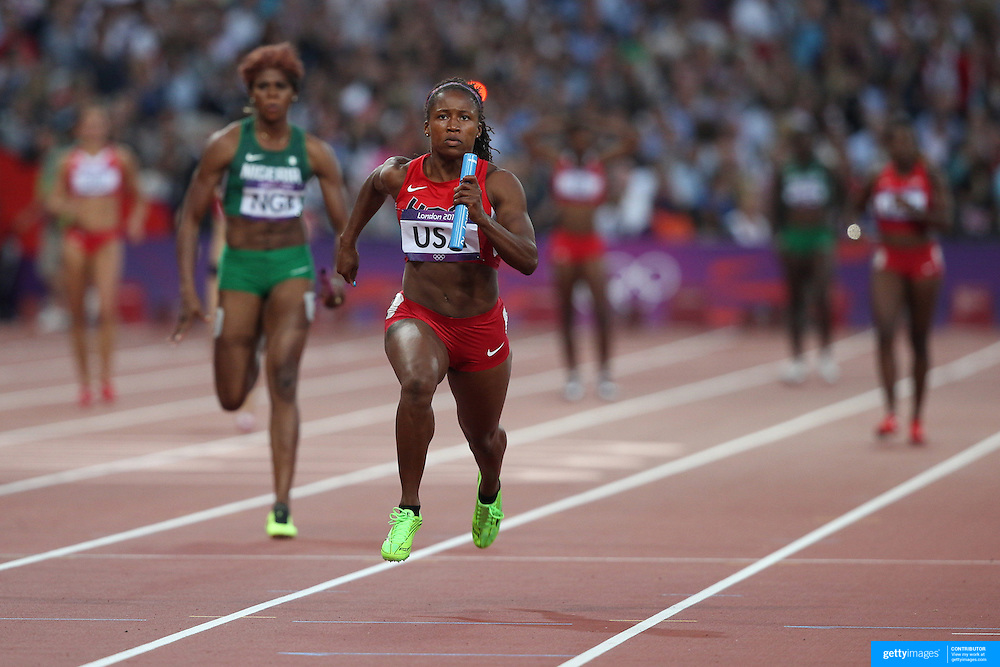 Lauryn Williams, USA, in action in the Women's 4 X 100m Heats at the Olympic Stadium, Olympic Park, during the London 2012 Olympic games. London, UK. 9th August 2012. Photo Tim Clayton