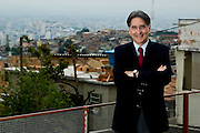 Belo Horizonte_MG, Brasil...Retrato do Prefeito de Belo Horizonte, Fernando Pimentel, em frente a comunidade Vila Marcola, no Bairro da Serra...The Belo Horizonte mayor, Mr Fernando Damata Pimentel, in front of a Vila Marcola community, Serra neighborhood...Foto: BRUNO MAGALHAES /  NITRO