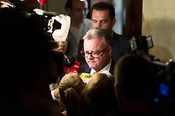 09.05.2016, Parlament, Wien, AUT, SPÖ, Sitzung des Parteivorstands nach dem überraschenden Rücktritt von Bundeskanzler Faymann. im Bild Landeshauptmann Burgenland Hans Niessl (SPÖ) // governor of the province burgenland Hans Niessl during board meeting of the austrian social democratic party afterresignation of the austrian chancellorFaymann at austrian parliament in Vienna, Austria on 2016/05/09. EXPA Pictures © 2016, PhotoCredit: EXPA/ Michael Gruber