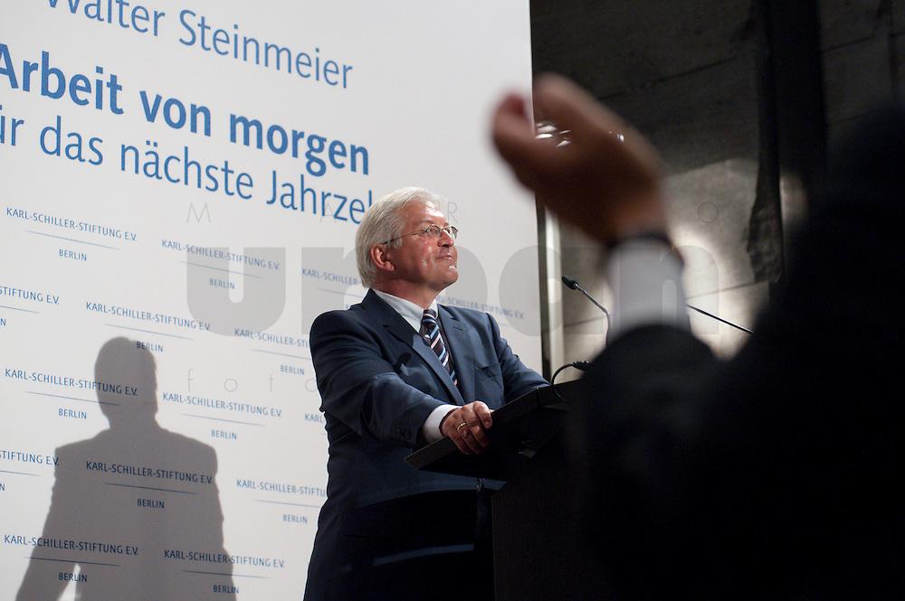 """03 AUG 2009, BERLIN/GERMANY:<br /> Frank-Walter Steinmeier, SPD, Bundesaussenminister und Kanzlerkandidat, Veranstaltung der Karl-Schiller-Stiftung zum Thema """"Die Arbeit von morgen - Politik fuer das naechste Jahrzehnt"""", Baerensaal, Altes Stadthaus<br /> IMAGE: 20090803-02-101<br /> KEYWORDS: Deutschland-Plan, Rede, speech, Applaus, klatschen"""