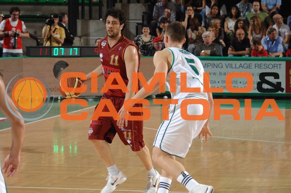 DESCRIZIONE : Treviso Lega A 2011-12 Umana Venezia Benetton Basket Treviso <br /> GIOCATORE : giudo meini<br /> CATEGORIA :  pallegghio<br /> SQUADRA : Umana Venezia Benetton Basket Treviso <br /> EVENTO : Campionato Lega A 2011-2012<br /> GARA : Umana Venezia Benetton Basket Treviso <br /> DATA : 28/04/2012<br /> SPORT : Pallacanestro<br /> AUTORE : Agenzia Ciamillo-Castoria/M.Gregolin<br /> Galleria : Lega Basket A 2011-2012<br /> Fotonotizia :  Treviso Lega A 2011-12 Umana Venezia Benetton Basket Treviso <br /> Predefinita :