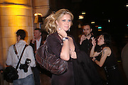 Rachel Hunter. Art Plus dance fundraising party. Whitechapel gallery. 21 March 2005. ONE TIME USE ONLY - DO NOT ARCHIVE  © Copyright Photograph by Dafydd Jones 66 Stockwell Park Rd. London SW9 0DA Tel 020 7733 0108 www.dafjones.com