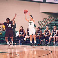 2nd year guard, Carolina Goncalves (11) of the Regina Cougars during the Women's Basketball Home Game on Fri Nov 30 at Centre for Kinesiology,Health and Sport. Credit: Arthur Ward/Arthur Images