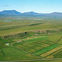 Fell,  séð norðvestur > Langjökull, Bláskógabyggð áður  Biskupstungnahreppur. /  The farm Fell,  viewing northwest to Langjokull glacier. Blaskogabyggd former Biskupstungnahreppur.
