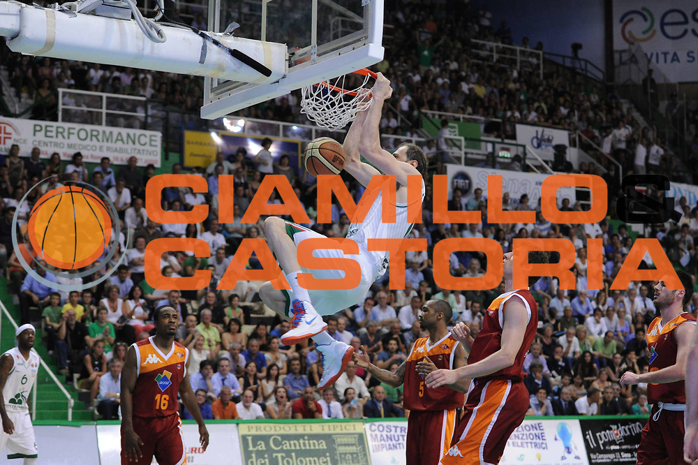 DESCRIZIONE : Siena Lega A 2012-2013 Montepaschi Siena Acea Roma playoff finale gara 4<br /> GIOCATORE : Viktor Sanikidze<br /> CATEGORIA : schiacciata<br /> SQUADRA : Acea Roma Montepaschi Siena<br /> EVENTO : Campionato Lega A 2012-2013 playoff finale gara 4<br /> GARA : Montepaschi Siena Acea Roma <br /> DATA : 17/06/2013<br /> SPORT : Pallacanestro <br /> AUTORE : Agenzia Ciamillo-Castoria/C.De Massis<br /> Galleria : Lega Basket A 2012-2013  <br /> Fotonotizia : Siena Lega A 2012-2013 Montepaschi Siena Acea Roma  playoff finale gara 4<br /> Predefinita :