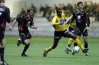 Fotball, Treningskamp, 28 januar 2005, Brann - Start, Bala Garba, Start og Helge Haugen, Paul Scharner, Brann.