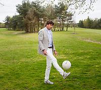 TILBURG - Robert-Jan Derksen. De tweede editie van de ING Private Banking Golfweek vindt plaats van 7 tot en met 9 juli op golfclub Prise d'eau in Tilburg. Een evenement voor jong en oud waarbij kijken, beleven en zelf doen centraal staan en de toegang gratis is. Dit unieke evenement waar topsport en breedtesport samenkomen is op 6 april aangekondigd op golfclub Prise d'eau. Robert-Jan Derksen introduceerde dé golf experience van Nederland. FOTO KOEN SUYK