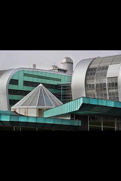 Nederland, Nijmegen, 24-3-2010Het Goudsmit paviljoen, waar de nmr faciliteit ondergebracht is, het  gebouw van de faculteit wiskunde, natuurkunde en informatica, het Huygensgebouw, van de Radboud universiteit, ru, voorheen KUNFoto: Flip Franssen/Hollandse Hoogte