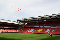 15.04.2013, Anfield Road, Liverpool, ENG, PL, Liverpool FC, 24. Jahrestag der Hillsborough Katastrophe, im Bild 96 red balloons are released2 during the 24th Anniversary Hillsborough Service at Anfield, Liverpool, United Kingdom on 2013/04/15. EXPA Pictures © 2013, PhotoCredit: EXPA/ Propagandaphoto/ David Rawcliffe..***** ATTENTION - OUT OF ENG, GBR, UK *****