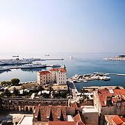 La seconde plus grande ville de Croatie embrasse l'Adriatique et ses îles offrant un merveileux point de départ pour découvrir la région.