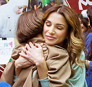 Queen Size Hug - Queen Rania Visits Mobile Museum
