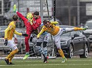 FODBOLD: Aris Vaporakis (FC Helsingør) med greb om bolden under træningskampen mellem FC Helsingør og Falkenbergs FF den 20. januar 2018 på Snekkersten Idrætscenter. Foto: Claus Birch
