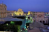 Italie - Noto, ville baroque - Piazza municipio