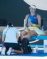ANDREA PETKOVIC (GER) wird wegen einer Verletzung am Fuss behandelt,<br /> <br /> Australian Open 2017 -  Melbourne  Park - Melbourne - Victoria - Australia  - 19/01/2017.
