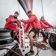 """© María Muiña I MAPFRE: Willy Altadill y Antonio """"Ñeti"""" Cuervas-Mons a bordo del MAPFRE durante un entrenamiento costero. Willy Altadill and Antonio """"Ñeti"""" Cuervas-Mons on board MAPFRE during an inshore training."""