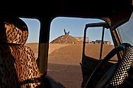 Mongolia. oboo, chamanist , karakorum road,    -    / ovo, oboo chamaniste, route de karakorum.   - Mongolie  / L0009401