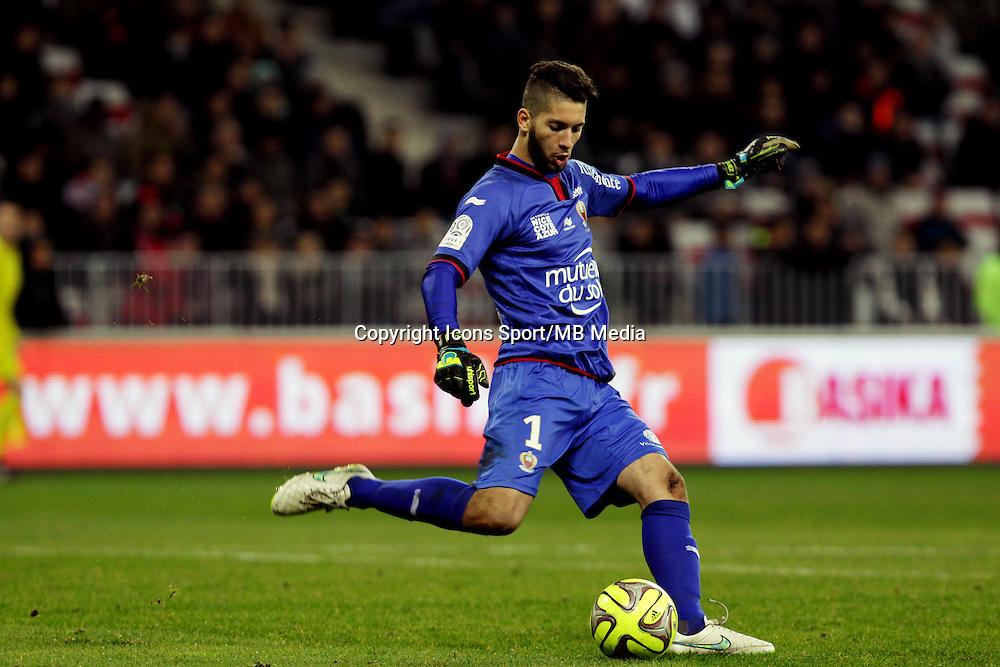 Mouez HASSEN  - 23.01.2015 - Nice / Marseille - 22eme journee de Ligue 1<br />Photo : Jean Christophe Magnenet / Icon Sport