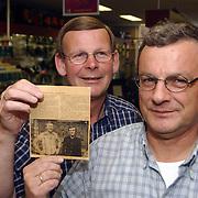 Eigenaren Vos IJzerhandel Huizen 25 jaar in de zaak, Piet van Slooten en Bert Vlaanderen