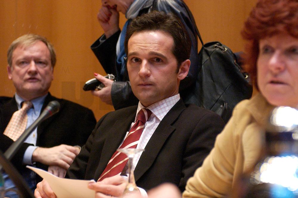 07 FEB 2004, BERLIN/GERMANY:<br /> Heiko Maas, SPD Landesvorsitzender Saarland, Sondesitzung des SPD Parteivorstandes nach der Bekanntgabe des Ruecktritts des Parteivorsitzenden, Willy-Brandt-Haus<br /> IMAGE: 20040207-01-013<br /> KEYWORDS: R&uuml;cktritt