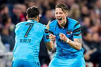AMSTERDAM - 05-04-2017, Ajax - AZ, Stadion Arena, AZ speler Wout Weghorst heeft de 1-1 gescoord, juichen, AZ speler Alireza Jahanbakhsh.