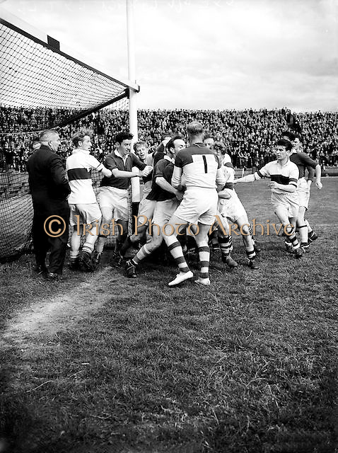 GAA Dublin Football Final. Gardai V St Vincents (Winners) replay. Croke Park, Gardai Team...27.7.1952  27th July 1952.