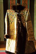 Mongolia. Ulaanbaatar. Palace of Bogdo Khan (last king of Mongolia), a Zibeline coat in the winter palace  Oulan Bator Ulan Baatar   Mongolia      /  palais du Bogdo Khan, (dernier roi de Mongolie). Un manteau royal en zibeline  dans le palais d'hiver  Oulan Bator Ulan Baatar   Mongolie    /  L0006049   /  R20023/