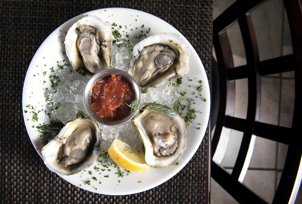 Photo by Mara Lavitt<br /> August 25, 2016<br /> Frank's Gourmet Grille, Mystic (Stonington), CT<br /> Raw oysters.