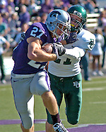 MANHATTAN, KS - OCTOBER 27:  Wide receiver Jordy Nelson #27 of the Kansas State Wildcats head up field as he fights off free safety Jordan Lake #21 of the Baylor Bears in the first half, during a NCAA football game on October 27, 2007 at Bill Snyder Family Stadium in Manhattan, Kansas.  Kansas State won 51-13.  (Photo by Peter Aiken/Getty Images)