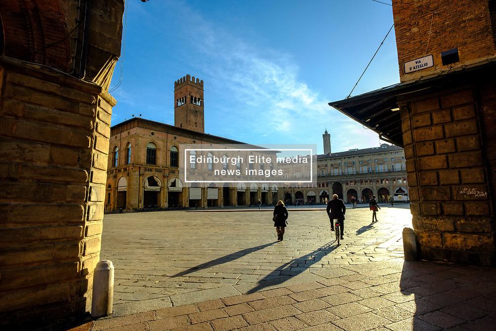 Early morning in the Piazza Maggiore, Bologna, Italy<br /> <br /> (c) Andrew Wilson   Edinburgh Elite media