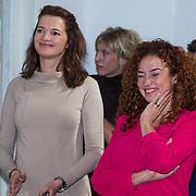 NLD/Amsterdam/20130917 - Boekpresentatie Het Inzicht van Johan Noorloos, Katja Schuurman en manager